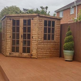 corner summer house 10×10